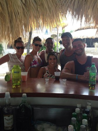 Cofresi Palm Beach & Spa Resort: Jose at the Cheers Bar!