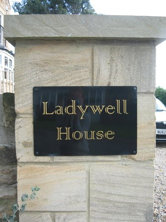 Ladywell House Bed & Breakfast: Entrance to our off street parking area.