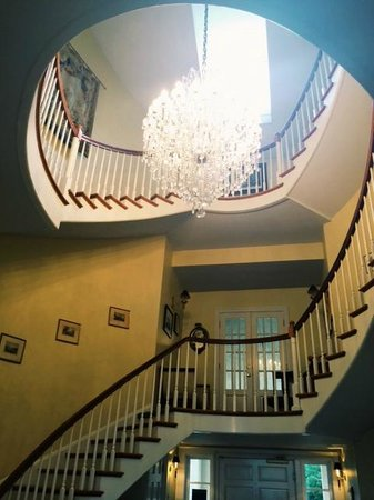 Christopher Place Resort: Staircase