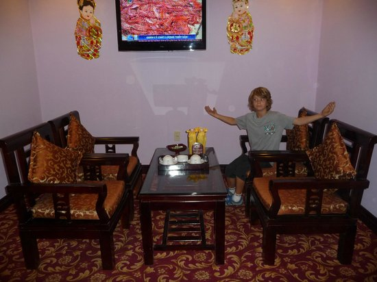 Thanh Lich Hotel: Spacious room
