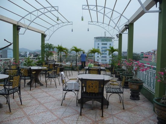 Thanh Lich Hotel: Outside terrace area