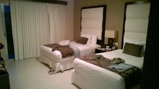 Azul Beach Resort The Fives Playa Del Carmen: Bedroom