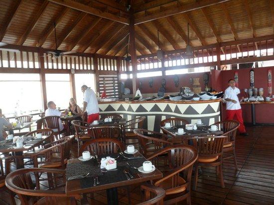 Decameron Los Delfines: restaurant sobre el agua