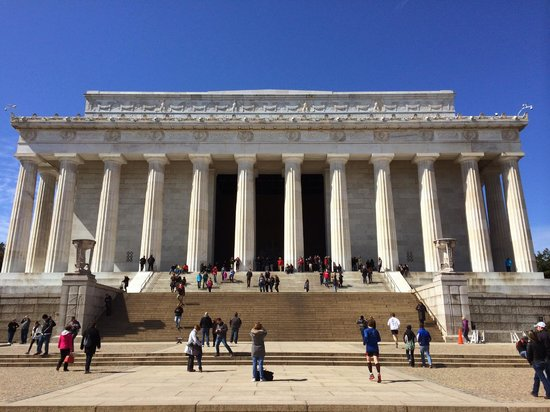 City Segway Tours of Washington, DC : Lincoln Memorial - Parked and were able to walk up and see it.