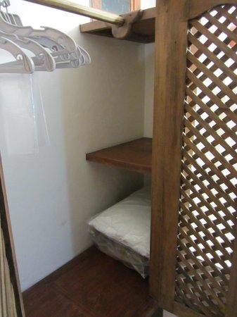 Mansion del Valle: Inside of closet