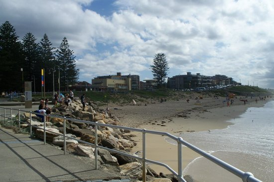 Cronulla Beach Walk: View to Elura beach