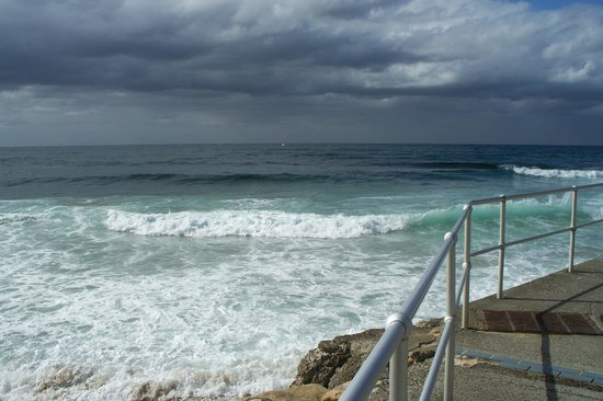 Cronulla Beach Walk : Cronulla surf