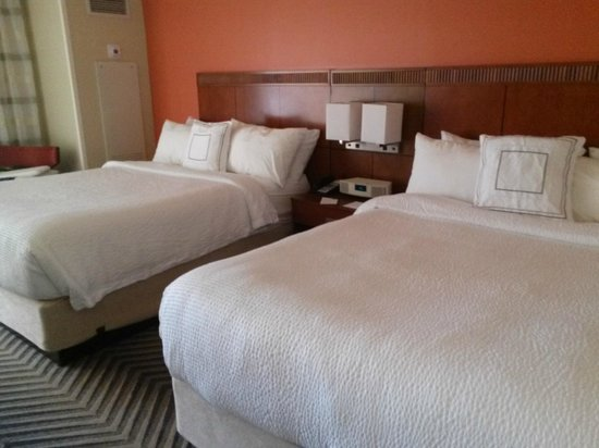 Courtyard by Marriott Fort Lauderdale East: Beds were Amazing