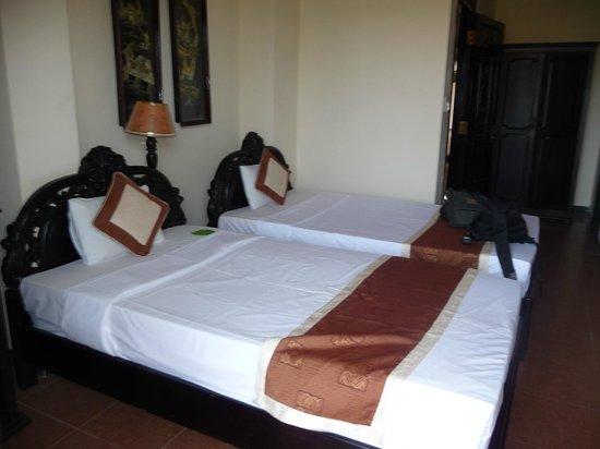 Van Loi Hotel : Room