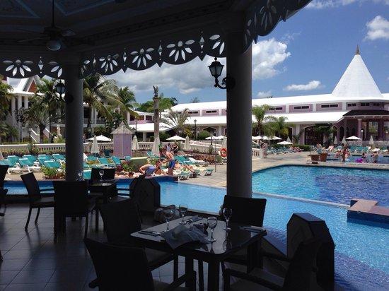 Hotel Riu Palace Tropical Bay: Lunch view