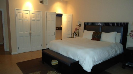 Princess Heights Hotel: The Bedroom