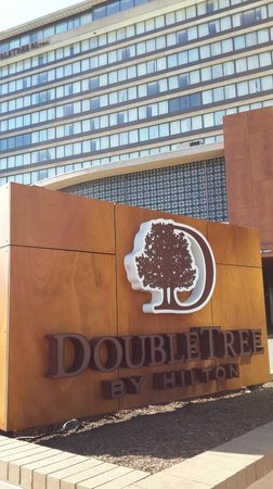 DoubleTree by Hilton - Washington DC - Crystal City : У входа