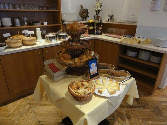 Hotelisssimo Haberstock: Delicious breakfast!