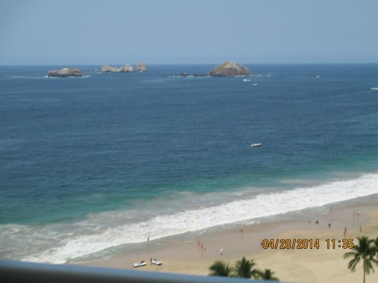Sunscape Dorado Pacifico Ixtapa: View from one of our room balconies