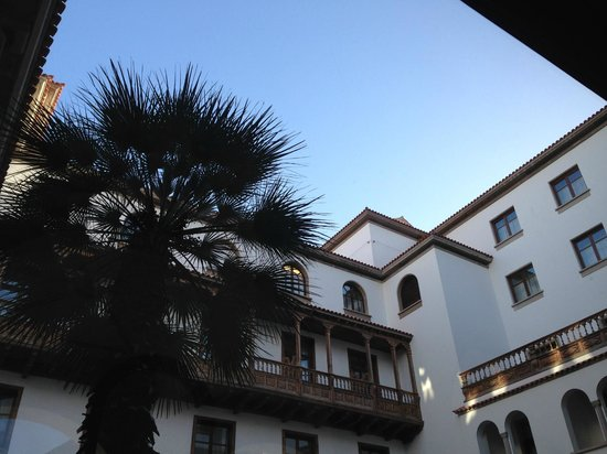 IBEROSTAR Grand Hotel Mencey: View of the hotel's inner courtyard.