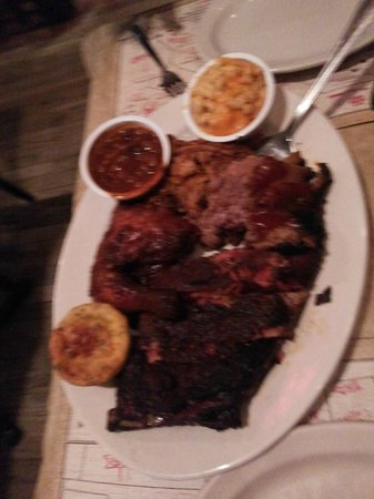 Virgil's Real BBQ -Time Square : The pig out