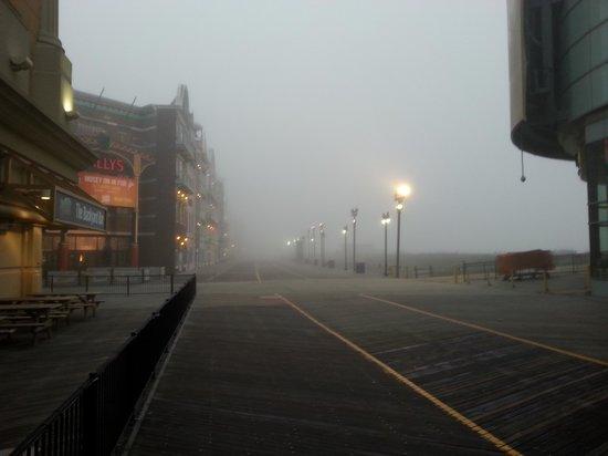 Caesars Atlantic City: Fog