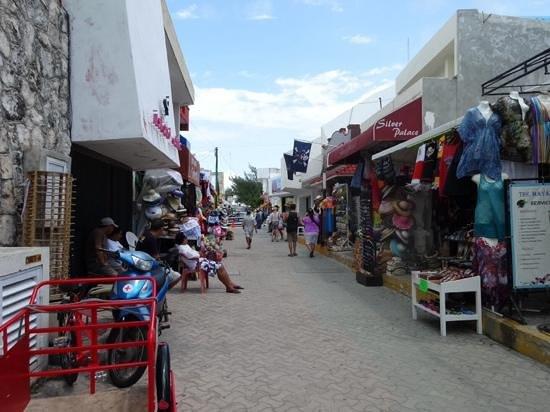 Na Balam Beach Hotel: shops