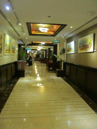 Arabian Courtyard Hotel & Spa: ground floor