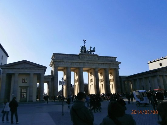 Berlin City Tour - City Sightseeing: Brandernburg Gate