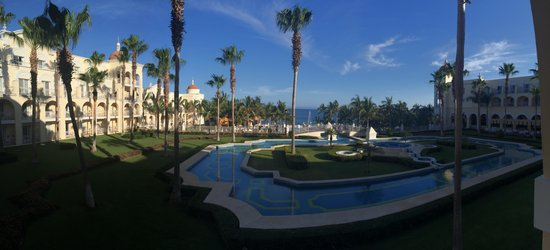 Hotel Riu Palace Cabo San Lucas: Another room view.