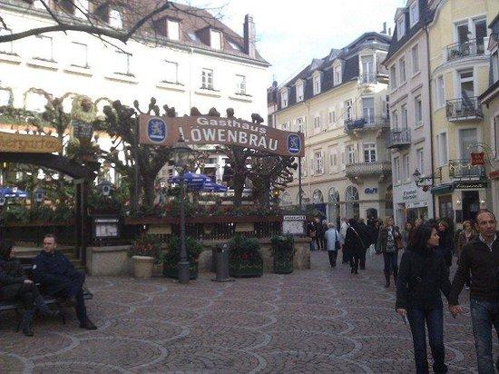 Löwenbräu: Vue de la zone piétonne