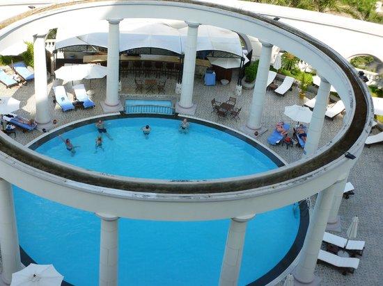 Sunrise Nha Trang Beach Hotel & Spa : Hotel Pool