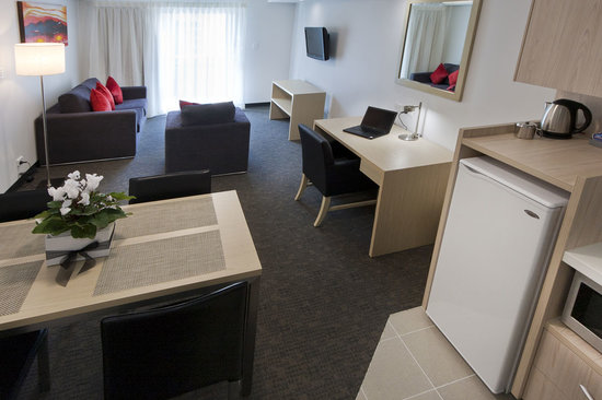 Jephson Hotel: 1, 2 and 3 bedroom apartments