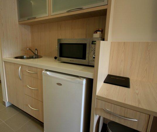 Jephson Hotel : Studio room kitchenette