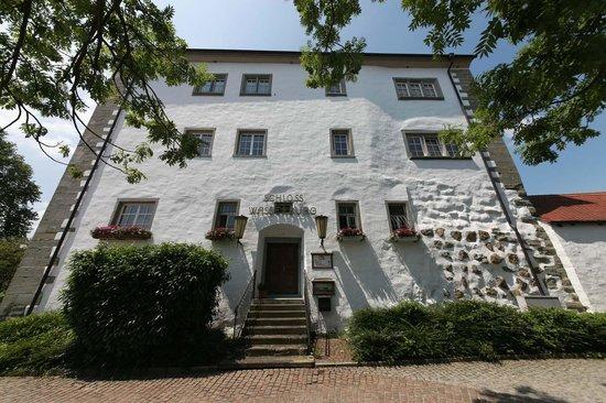 Schloss Hotel Wasserburg: Schlosshotel Frontansicht