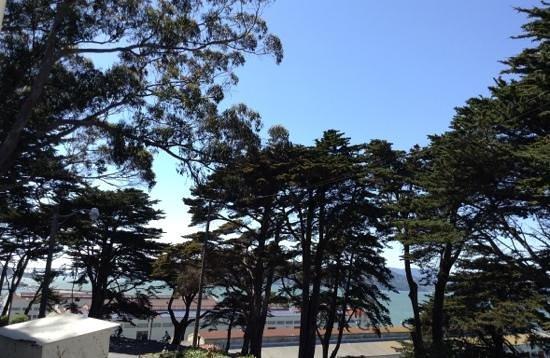 HI San Francisco Fisherman's Wharf: view from cafe.