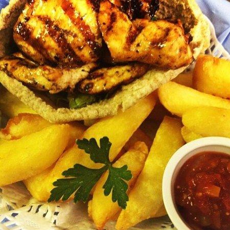 Blue Sky Cafe: Chicken in a basket