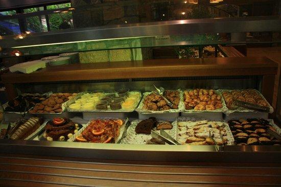 Anthemus Sea Beach Hotel & Spa: В ресторане