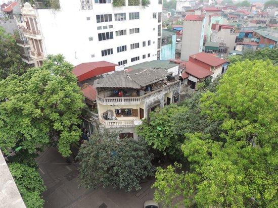 Hanoi Charming 2 Hotel : BALCONY VIEW