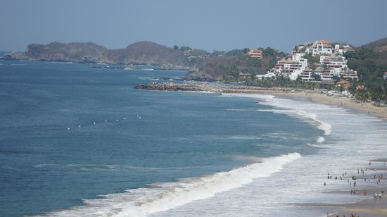 Sunscape Dorado Pacifico Ixtapa: The beautiful beach view