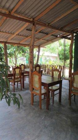 Sigiri Choona Lodge: Terrasse repas