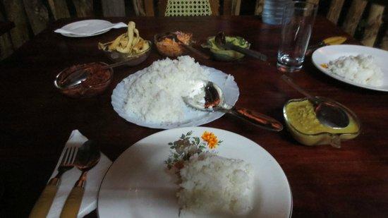 Sigiri Choona Lodge: Dîner