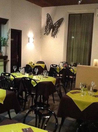 """Gap, France : Salle du restaurant le """"Tilt"""""""