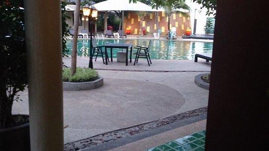 Pilanta Spa Resort: สระว่ายน้ำกลางโรงแรม