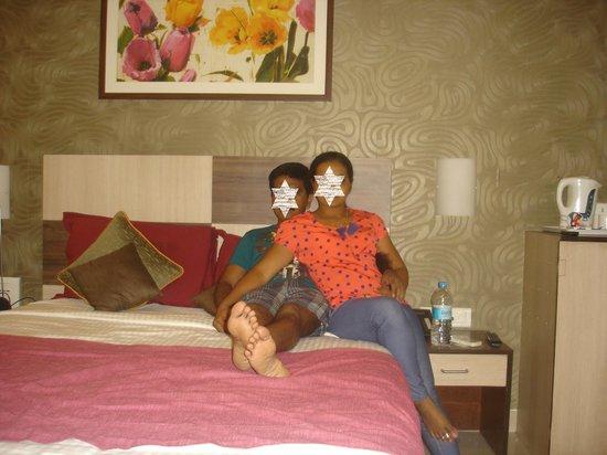 Hotel Madhav International : room interior