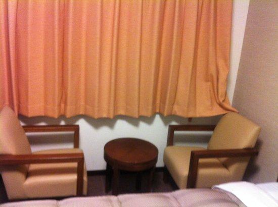 Route-Inn Grantia Ishigaki : ベッドが2つ