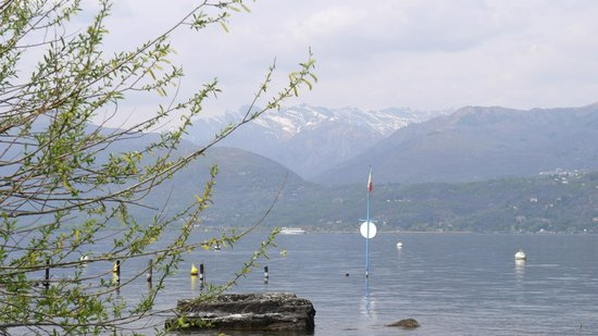 Lago Maggiore: Snow capped moutain view from Isola Bella