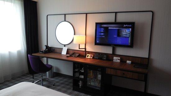 Radisson Blu Hotel Amsterdam Airport: tv