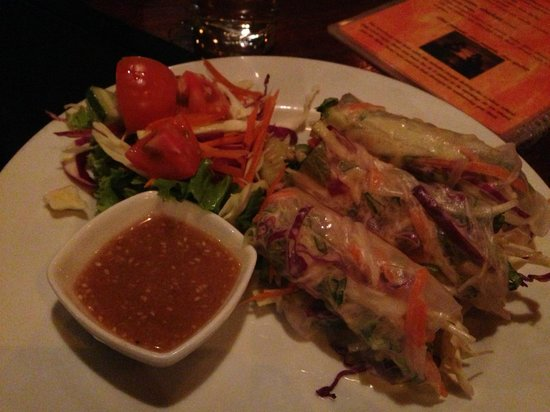 The Sanctuary Thailand: Raw salad rollss. Delicious