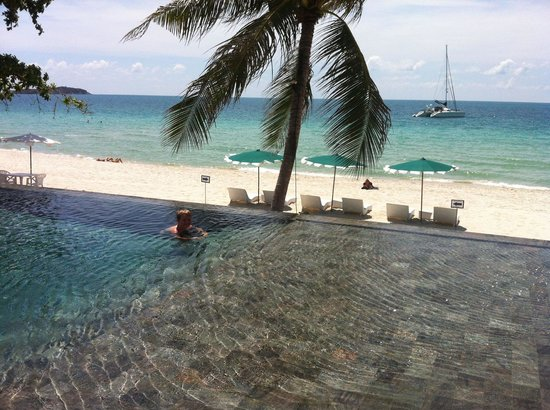 Synergy Samui Resort : Pool i the sunshine