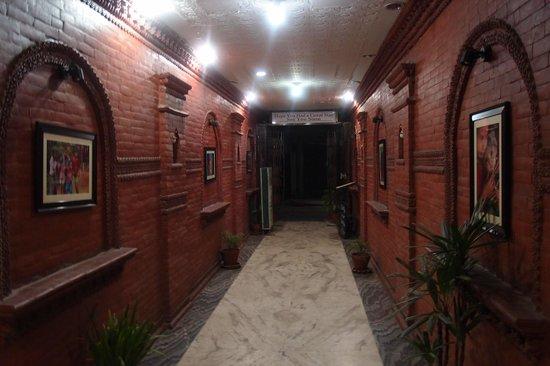 Trekkers' Home : passageway