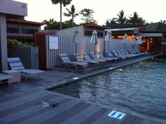 Synergy Samui Resort: Poolside