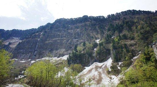 Shomyo Waterfall: 悪城