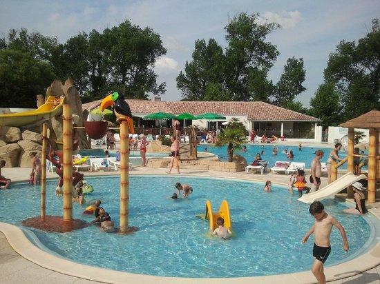 La Yole: La pataugeoire - The paddling pool