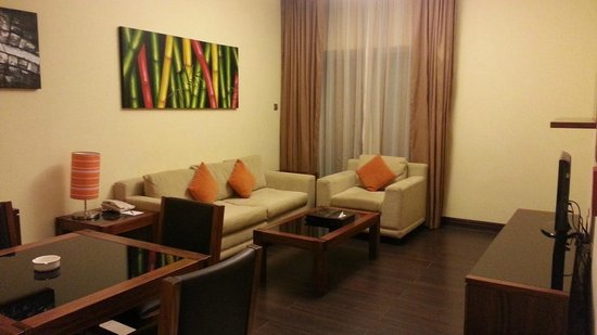 Al Nawras Hotel Apartments: Living Room